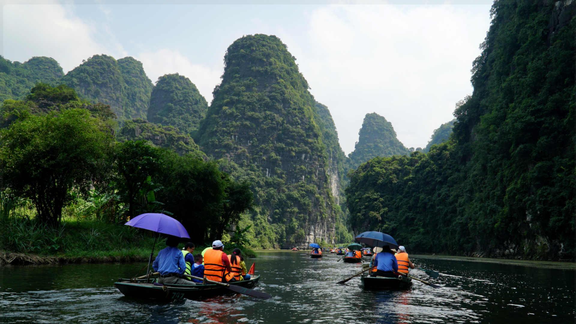 Go-Indochine Bootstour Ninh Binh Vietnam