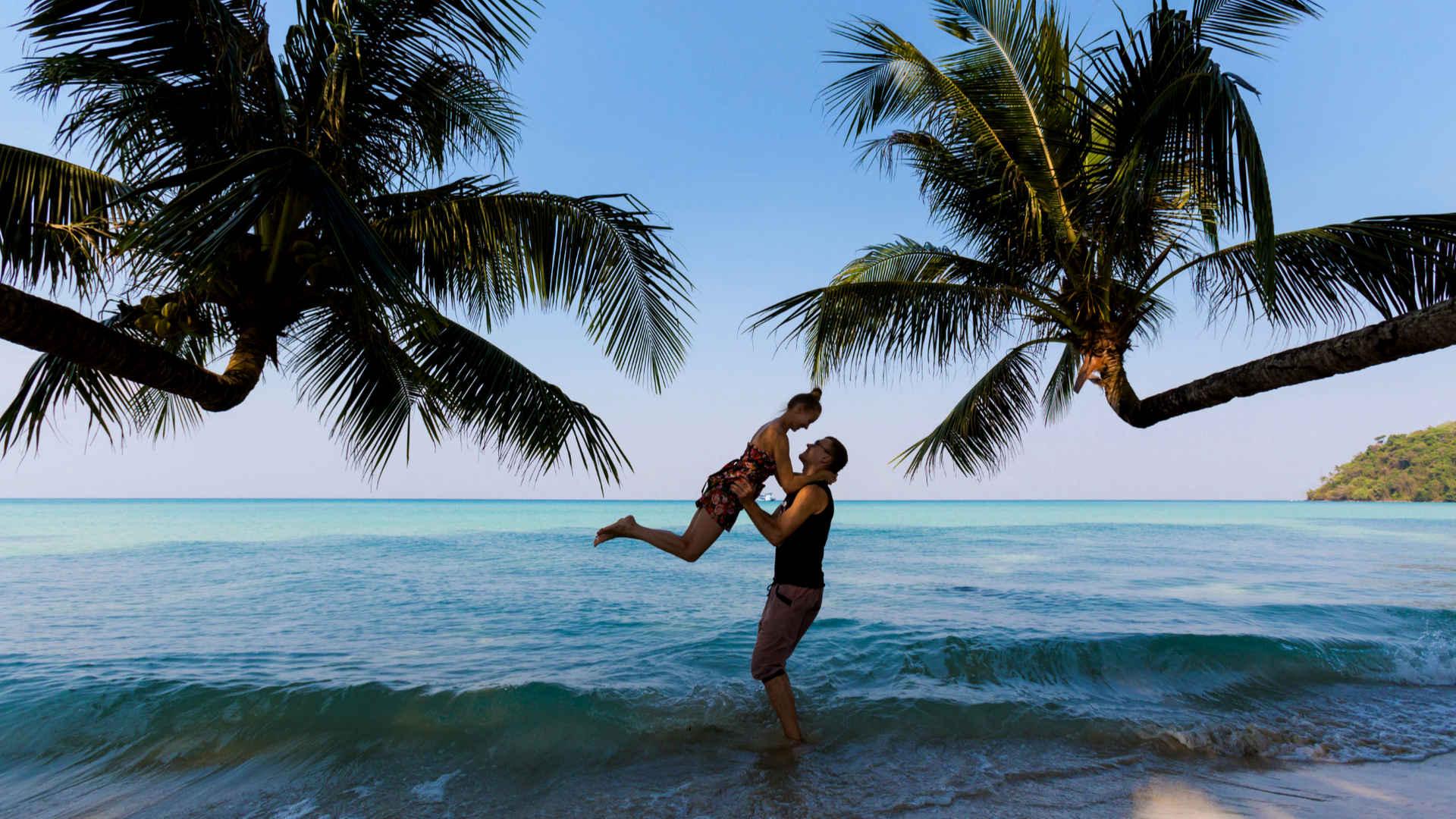 Flitterwochen am Strand in Thailand