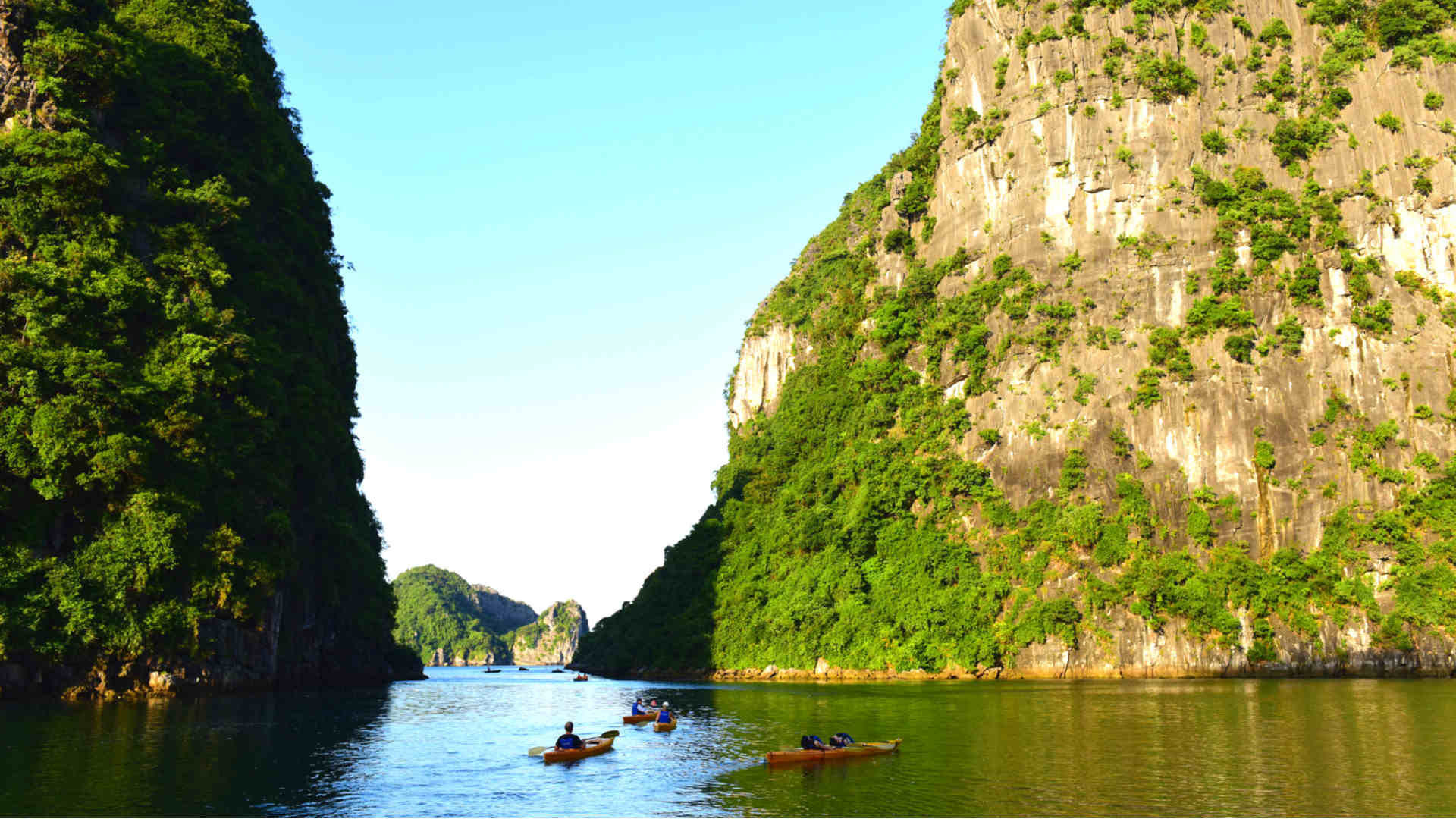 Go-Indochine Halong Bucht Kayaking