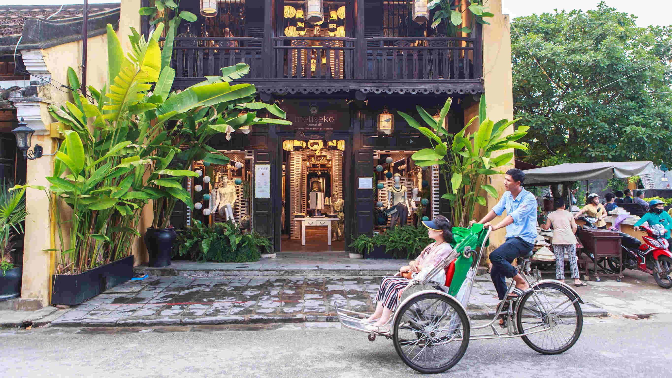 Hanoi cycle riksha